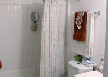 Breezes Bathroom