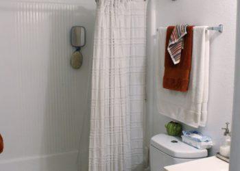Breezes 4 Bathroom