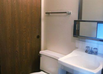 Meadows Townhomes Bathroom