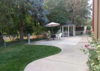 Oakhaven Garden Patio