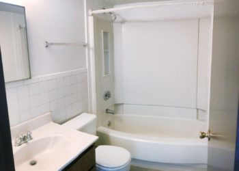 Riverview Bend Bathroom